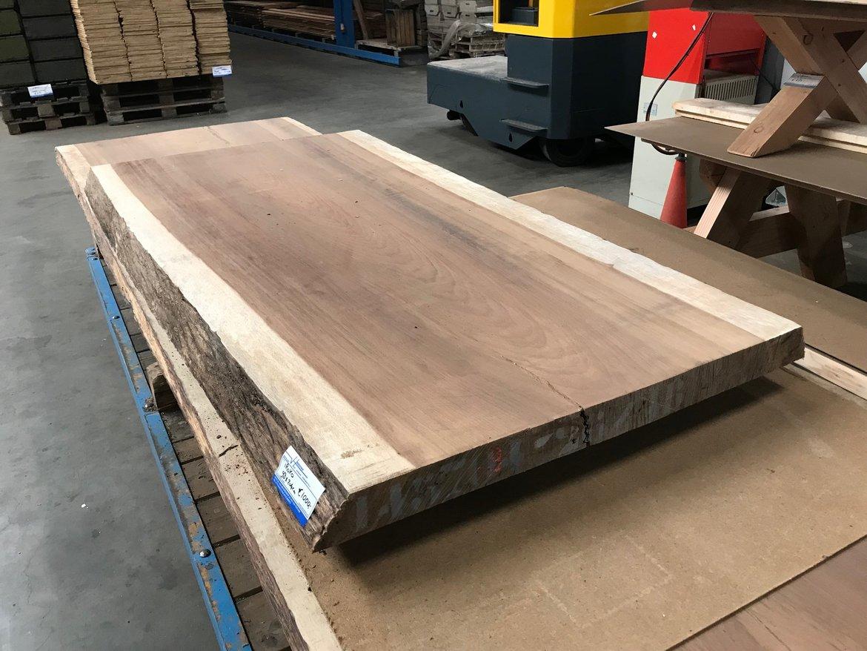Wand-Badkamer-planken-boomstamplanken