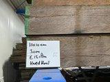 10x10 cm hardhouten fijn bezaagde palen voor beschoeiing en of constructie_