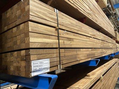 44 x 68 mm geschaafde hardhouten ligger mahoni  onderligger