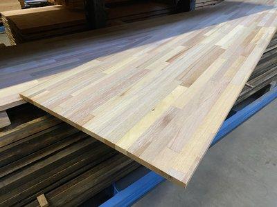 18 mm mixed hardhout meubelpaneel  65x300 cm