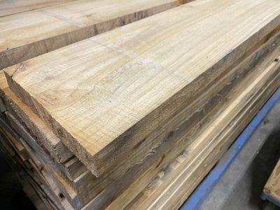 Radiata pine planken fijn bezaagd 45x290 mm lengte 295 cm